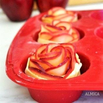 Десерт чайные розы
