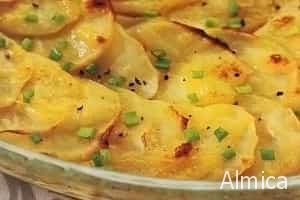запеченный картофель с зеленым луком и сыром