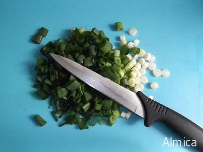 зеленый лук для запеченного картофеля