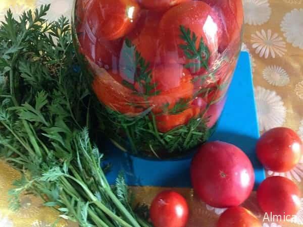 маринованные томаты с морковной ботвой