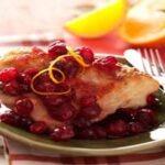как приготовить пикантную курицу в клюквенном соусе