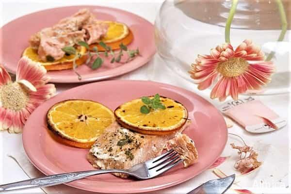 запеченный с апельсинами и перцем чили