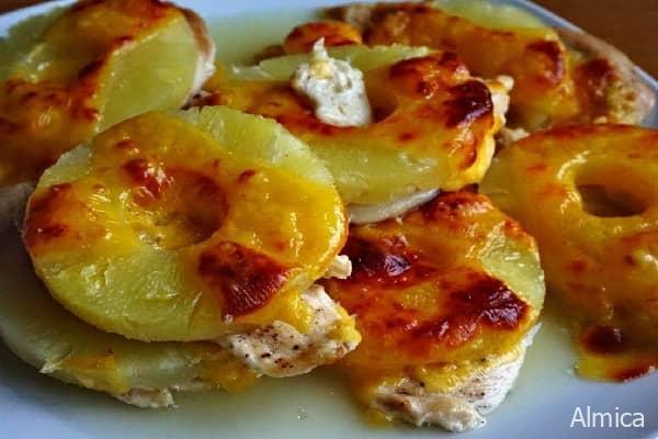 запеченая курочка с ананасами