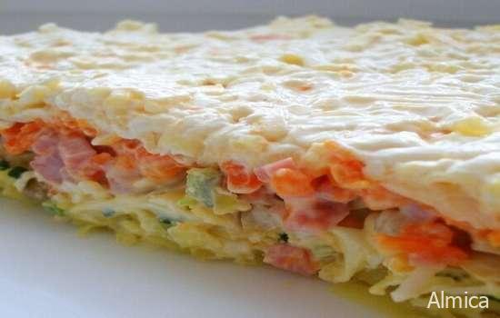 Очень вкусные слоеные салаты - 4 рецепта, готовятся за несколько минут